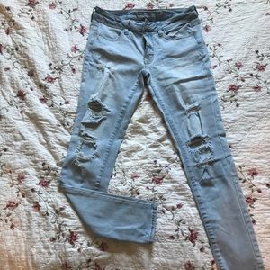 American Eagle Outfitters light ripped jeans